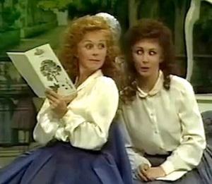 Romilda och Atalante, intrigerande systrar.